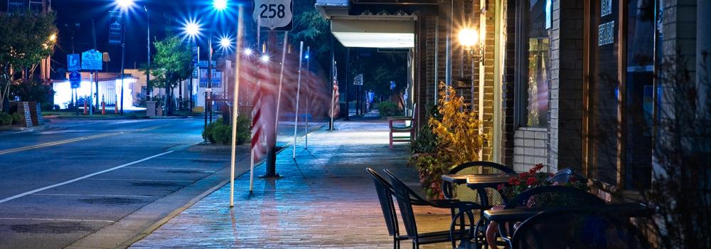 http://www.farmvillencchamber.org/v1/wp-content/uploads/Slide_SidewalkNight.jpg