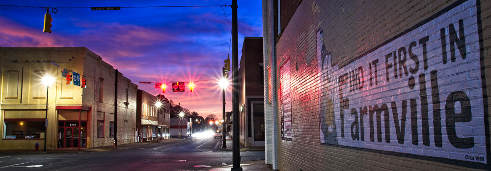 http://www.farmvillencchamber.org/v1/wp-content/uploads/Slide_StreetEveningView.jpg